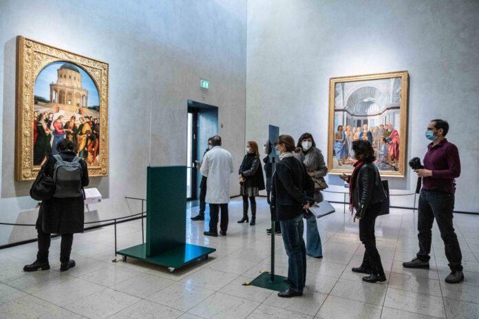 performing raffaello pinacoteca brera