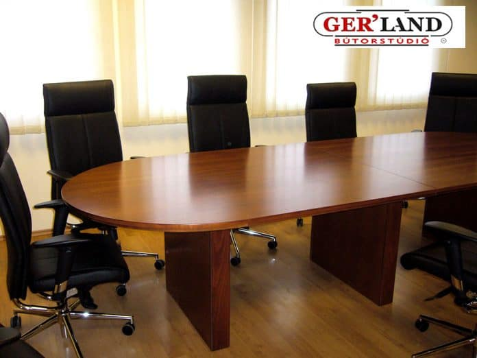 8-10 fős tárgyalóasztal