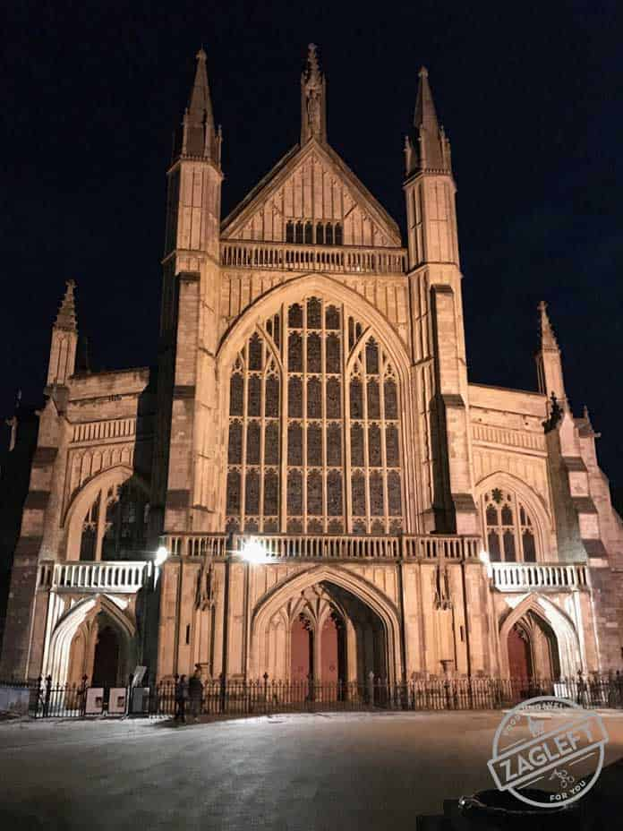 Visiting London? Consider a day trip from London to the ancient city of Winchester. An hour away from London, Winchester is a beautiful city to explore.| ZagLeft