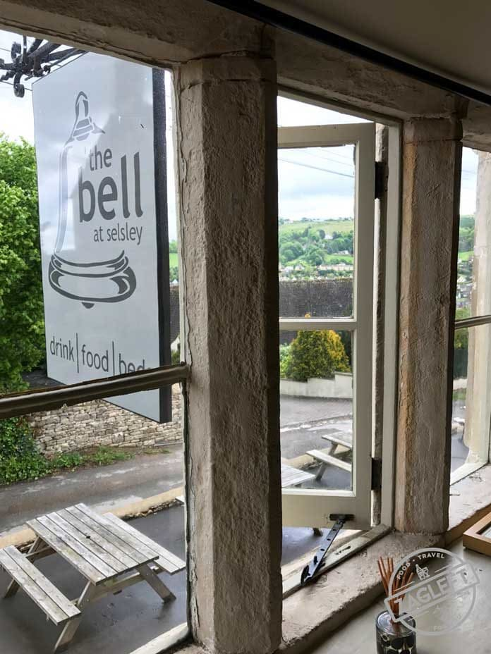 When visiting the Cotswolds, be sure to plan a trip to Stroud and stay at The Bell Inn. A lovely pub with rooms in in the town of Selsley. | zagleft.com
