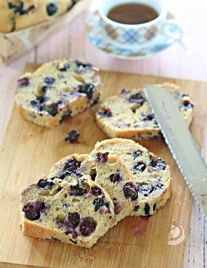 blueberry banana loaf cake
