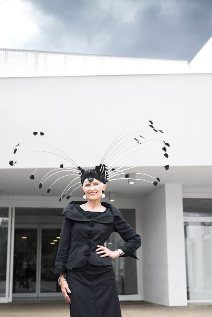 Judith in statement headpiece | 40plusstyle.com