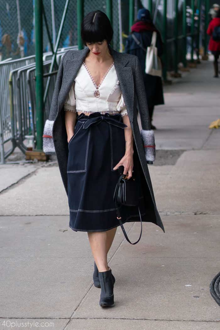 40+ street style inspiration: denim skirt for fall | 40plusstyle.com