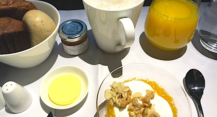 カタール航空の朝食