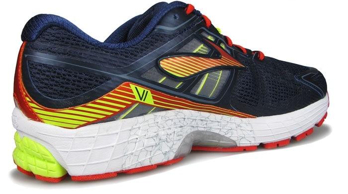 Вставка в средней части данных кроссовок присутствует, но отличается от других моделей с поддержкой.