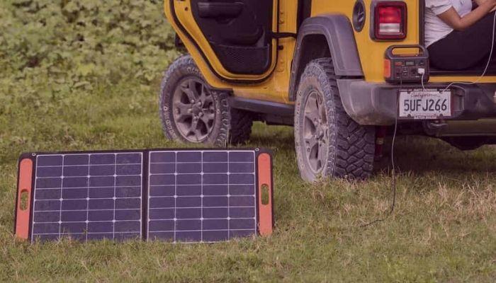 Explains how solar generators work