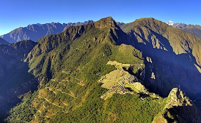 ワイナピチュから見たマチュピチュの風景
