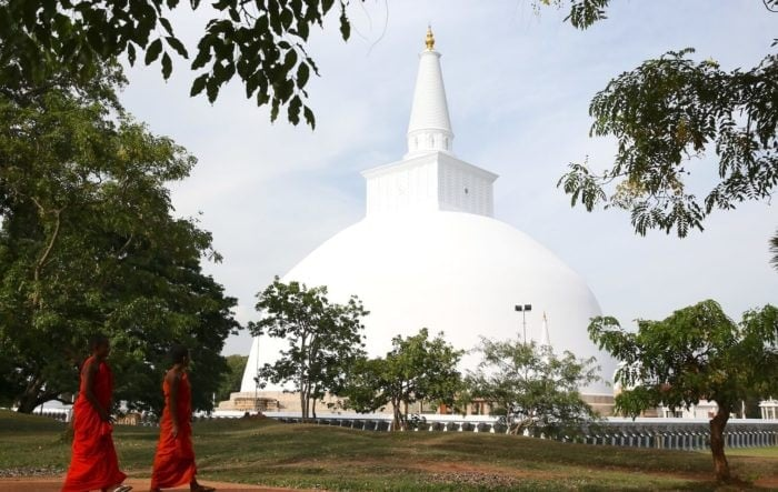 スリランカ、アヌラーダプラの大塔