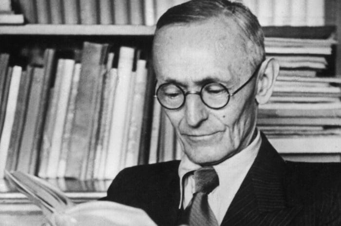 The Magic of the Book: Hermann Hesse on Why We Read - @brainpickings Artes & contextos hermann hesse