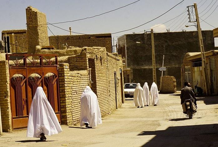 Varzaneh angels, Isfahan province, Iran – Experiencing the Globe