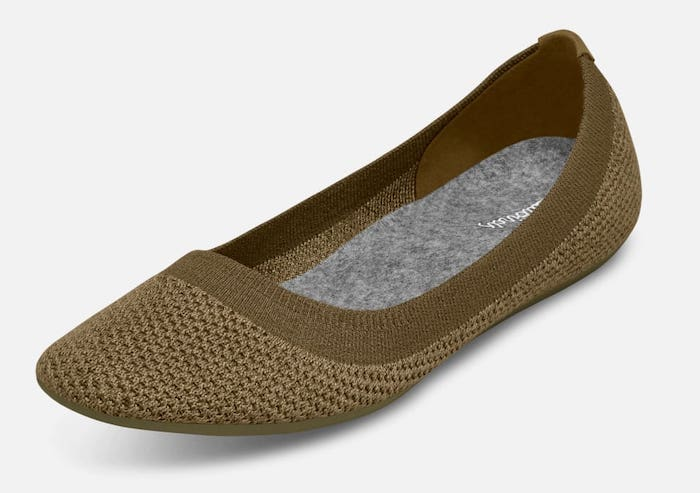 #balletflats The Yosi Samra ballet flats is arguably one of the best alternative  for Tieks shoes. These comfy flats will not hurt your feet regardless of how long you wear it.