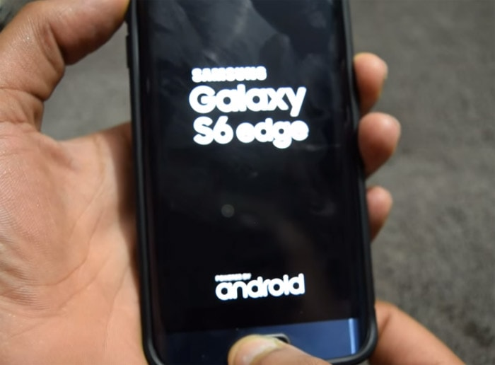 Galaxy-S6-Edge-stuck-on-logo