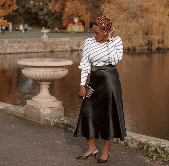 Aba in an outfit for the pear shape figure | 40plusstyle.com