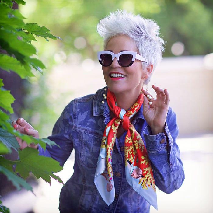Shauna wearing camouflage denim jacket | 40plusstyle.com