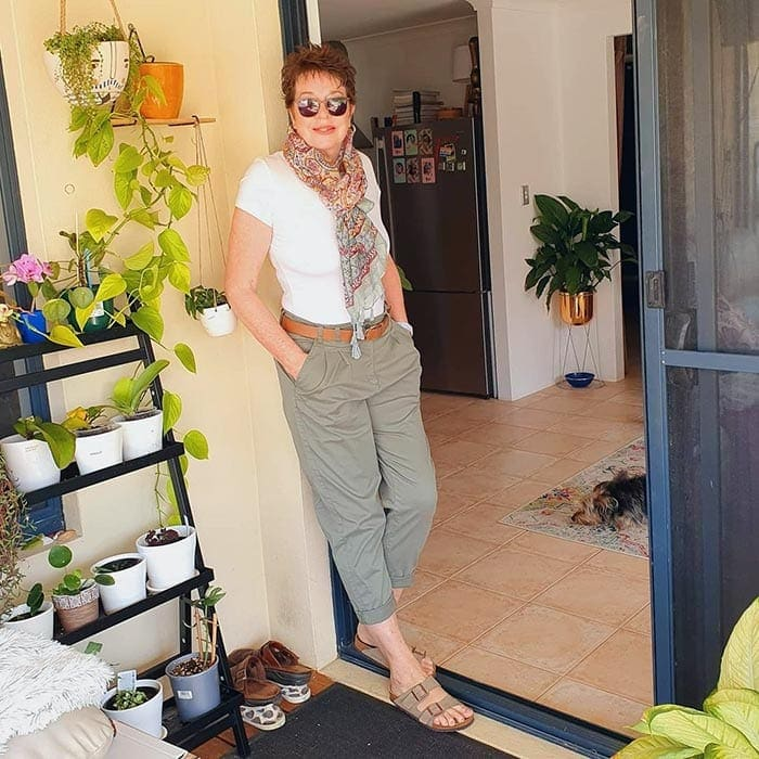 Ruth wears chinos | 40plusstyle.com