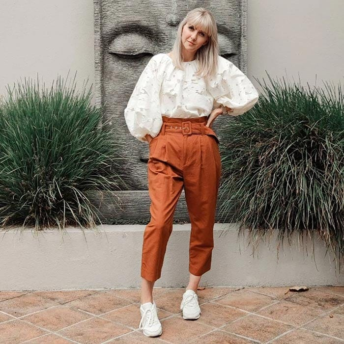 Melissa wears paperbag waist pants with an on-trend top | 40plusstyle.com