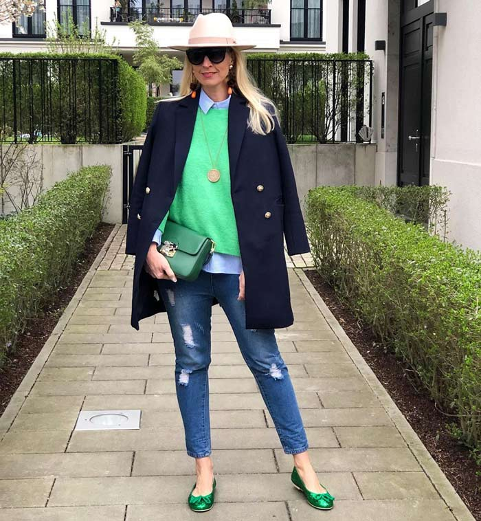 Nadine wears navy and green | 40plusstyle.com