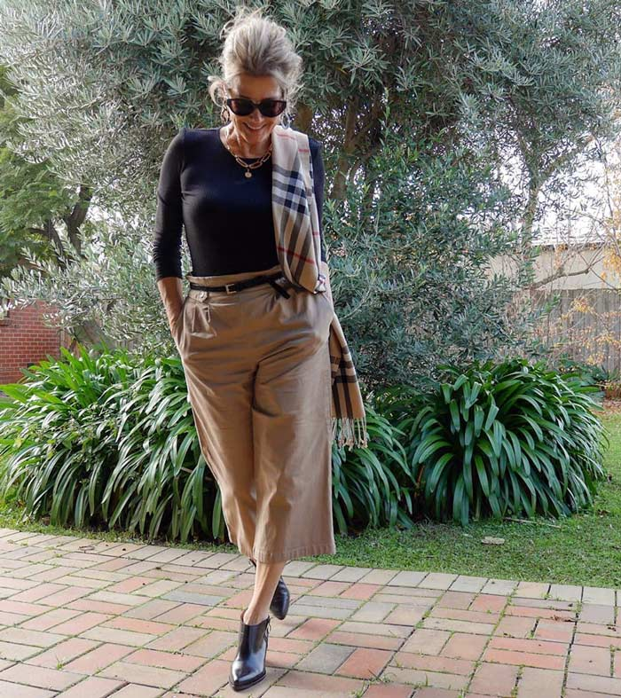 Balancing your look with a slim fitting top and wide legged pants | 40plusstyle.com
