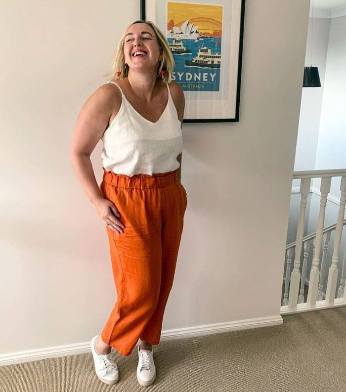how to wear orange and white | 40plusstyle.com