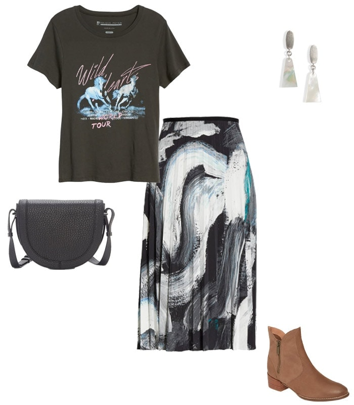 Choosing a concert outfit - wear a band tee | 40plusstyle.com