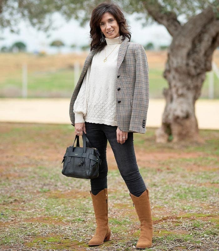 How to find your style - Patricia puts together a classic outfit | 40plusstyle.com