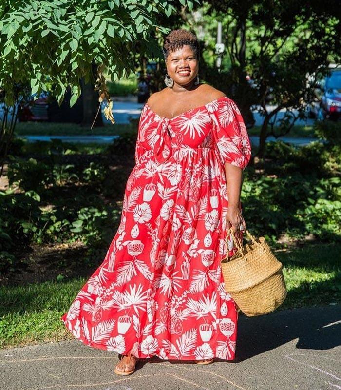 flattering dresses for the apple body shape | 40plusstyle.com