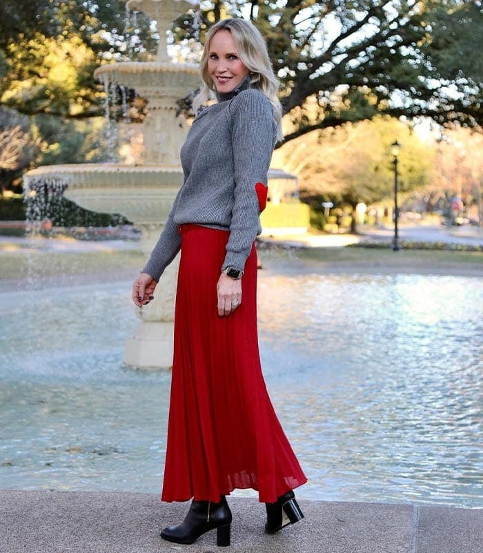 How to dress for valentines day | 40plusstyle.com
