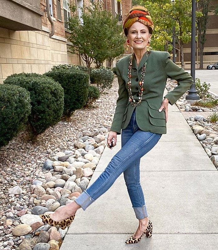 Judith in jeans and leopard print shoes | 40plusstyle.com