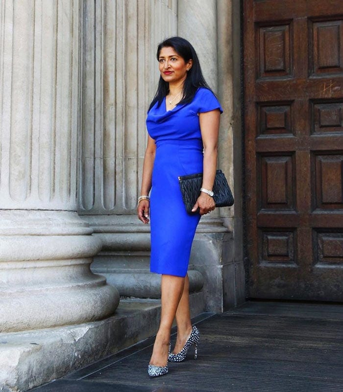 a beautiful blue dress for the classic style personality | 40plusstyle.com