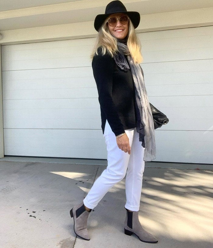Melinda teaming rock and classic style in her outfit | 40plusstyle.com