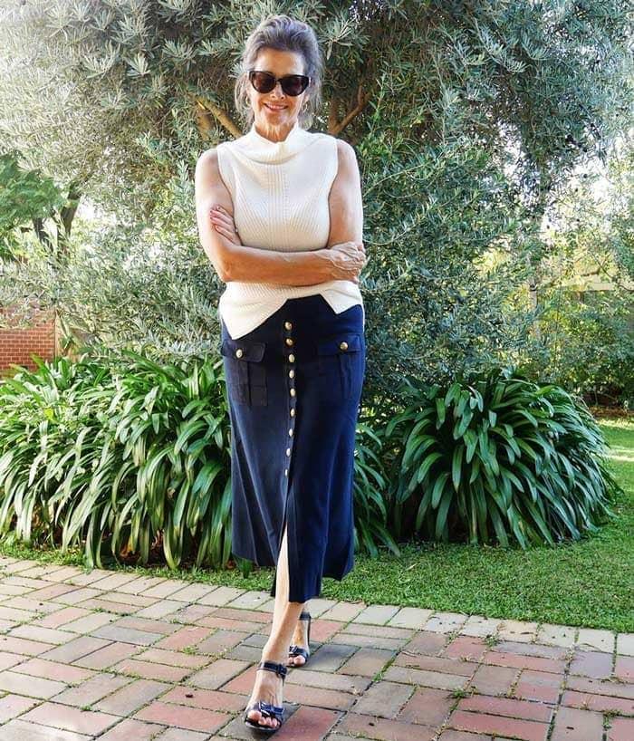summer skirts for women - button up skirt for summer | 40plusstyle.com