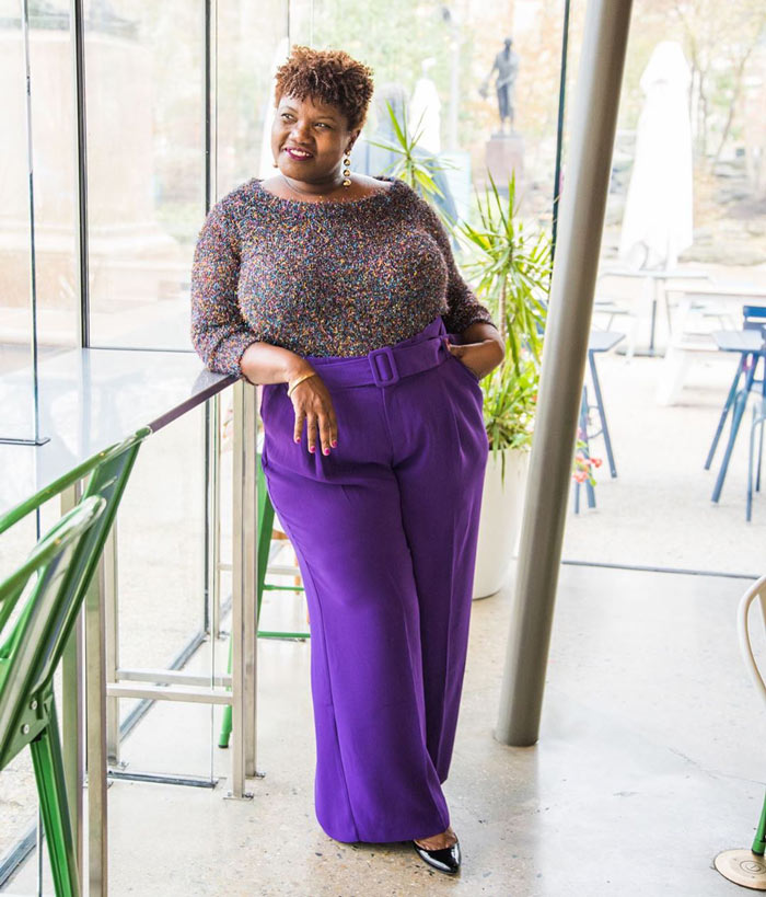Defining your waist with a belted, flared pants | 40plusstyle.com