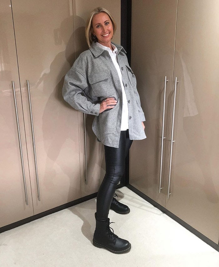 How to wear booties - Lou wears lace-up booties with leggings | 40plusstyle.com