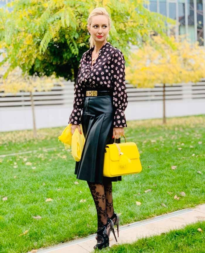 leather skirts are a perfect investment for a capsule closet | 40plusstyle.com