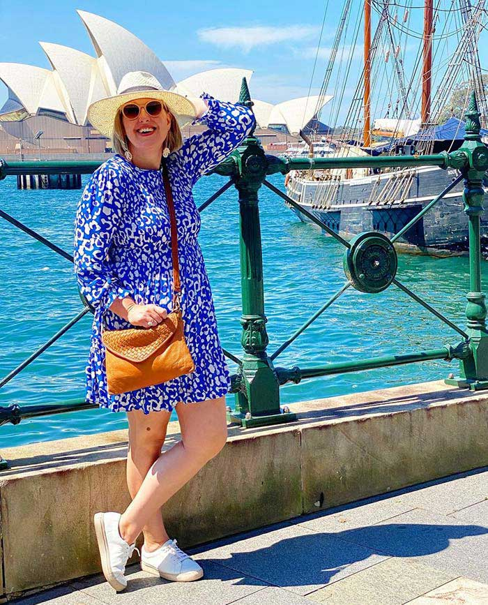 Travel clothes for women - a dress and sneakers | 40plusstyle.com