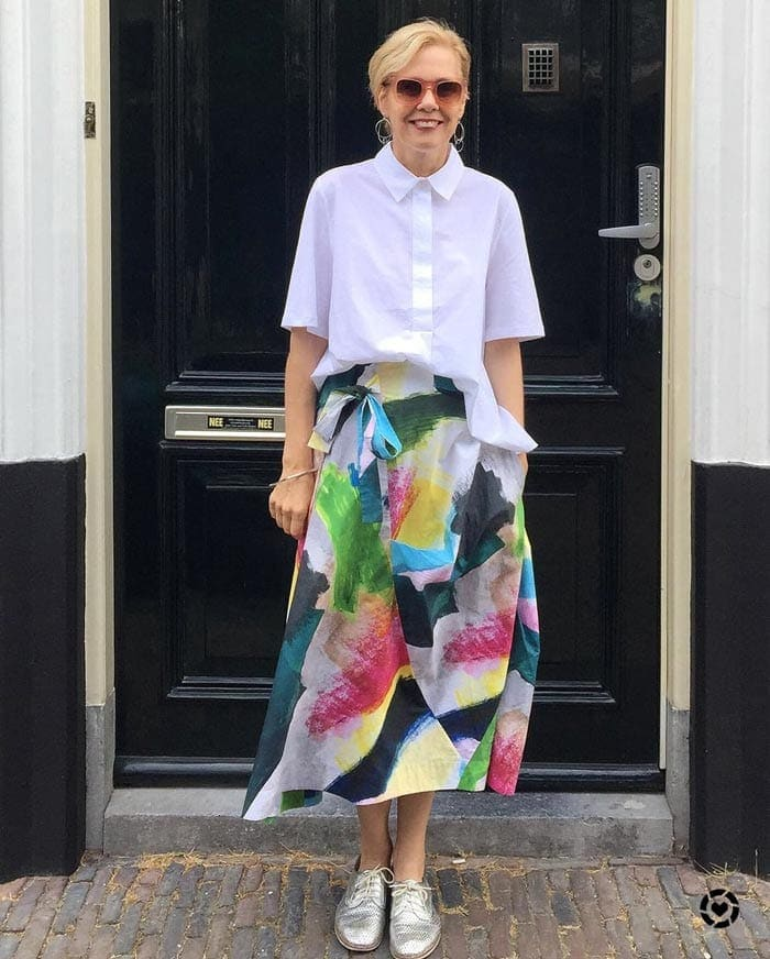 White shirt and printed skirt | 40plusstyle.com