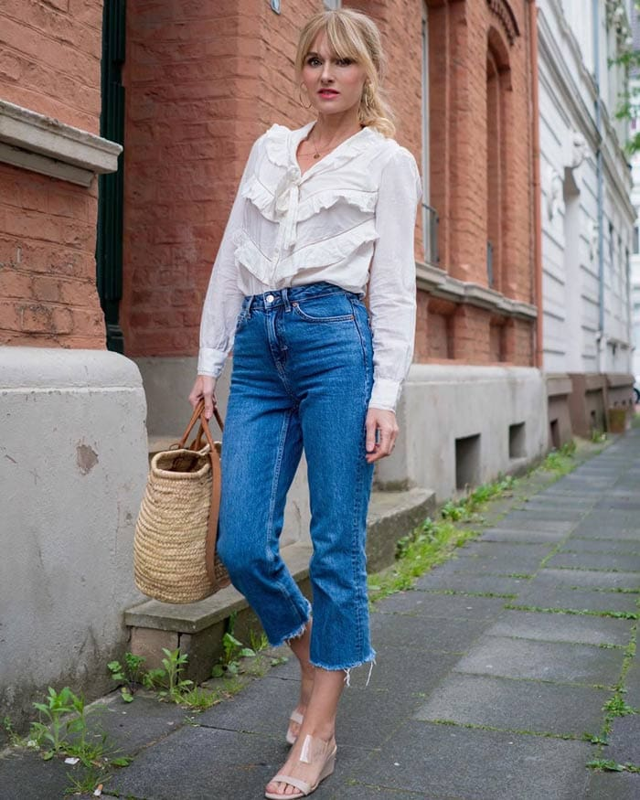 tucking your blouse into cropped pants | 40plusstyle.com