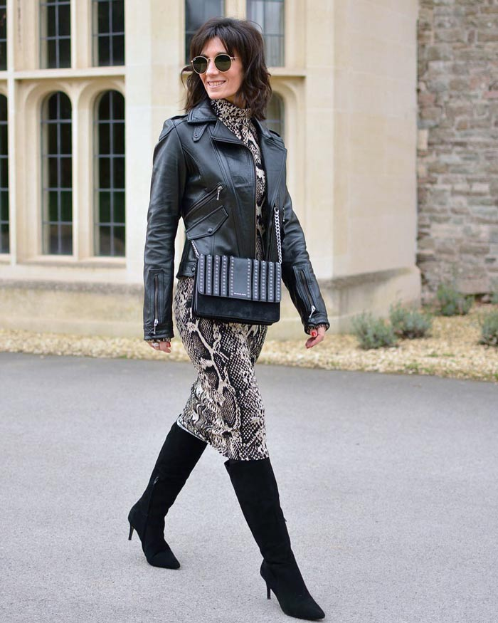 Cropped faux leather jacket styles to wear | 40plusstyle.com