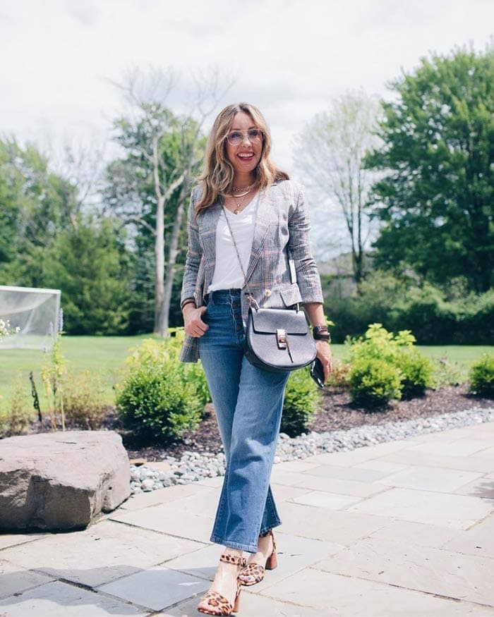 Work outfit idea: blazer, cropped jeans jeans and heels | 40plusstyle.com