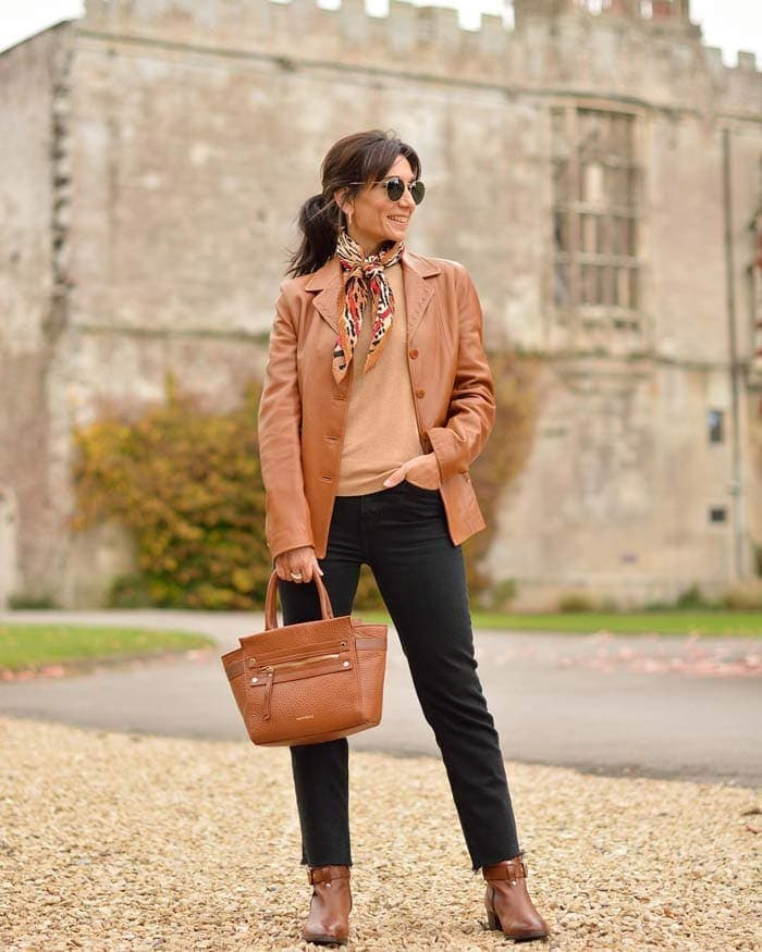 Invest in classic leather pieces for the classic style personality | 40plusstyle.com
