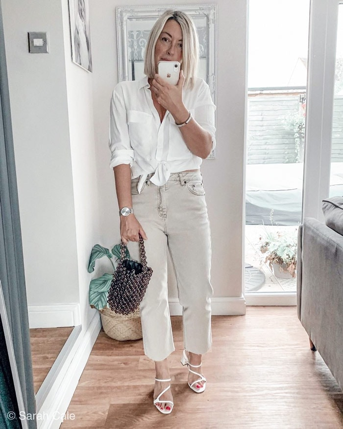 white shirt and gray jeans outfit | 40plusstyle.com