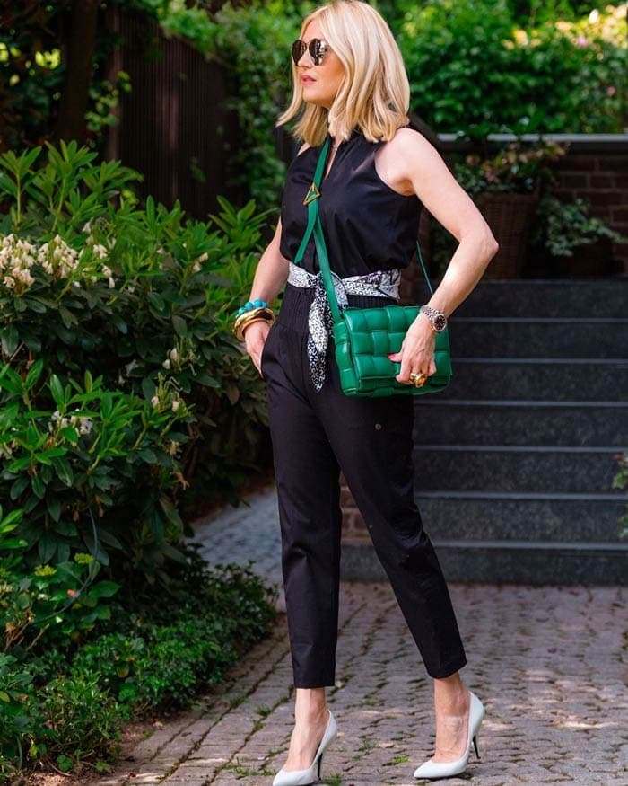Petra wears comfortable stilettos with her jumpsuit | 40plusstyle.com