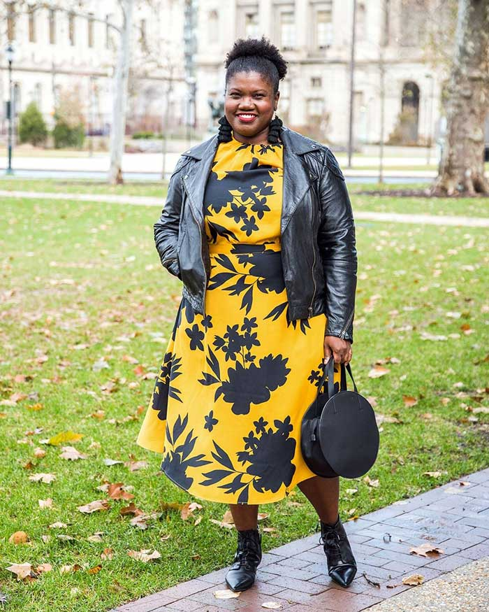 how to dress the apple shape - a flattering yellow dress | 40plusstyle.com