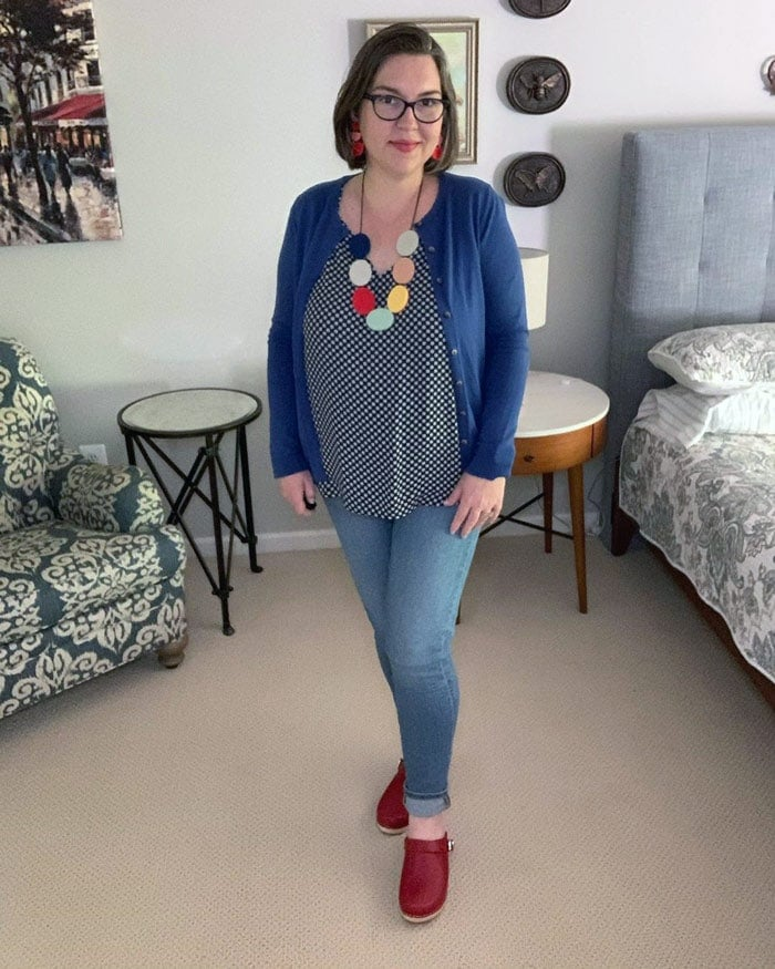 Patterned top and cardigan to hide a belly | 40plusstyle.com
