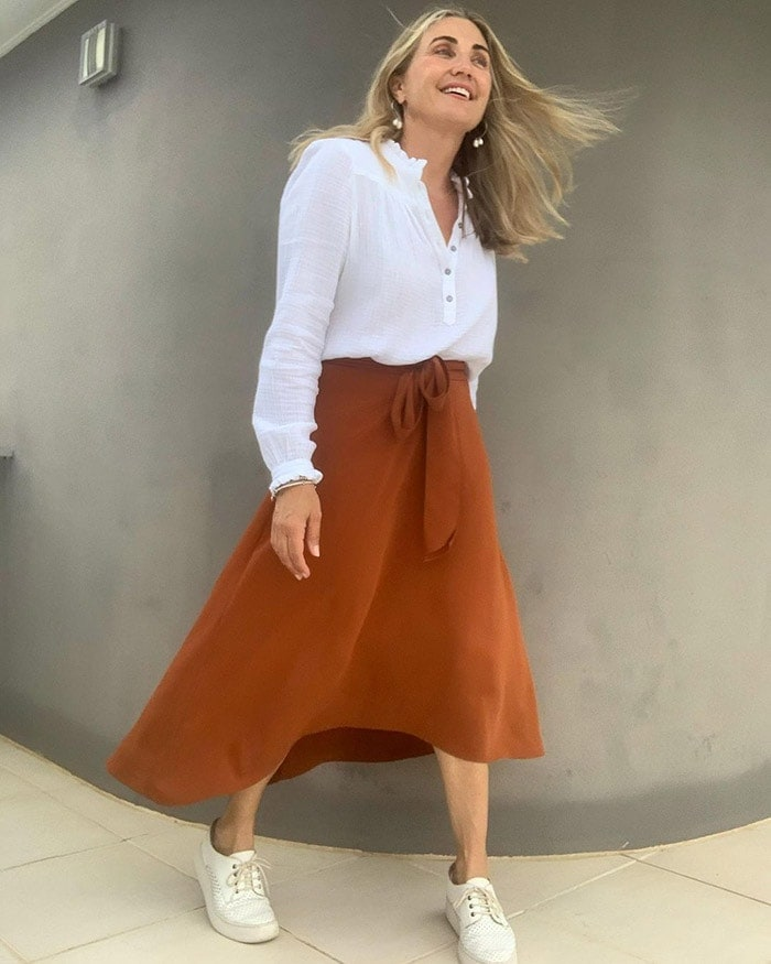 Things that date us - wear your midi skirt at the right length | 40plusstyle.com