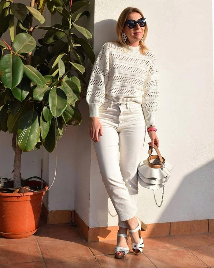 An all neutral outfit from Monica | 40plusstyle.com