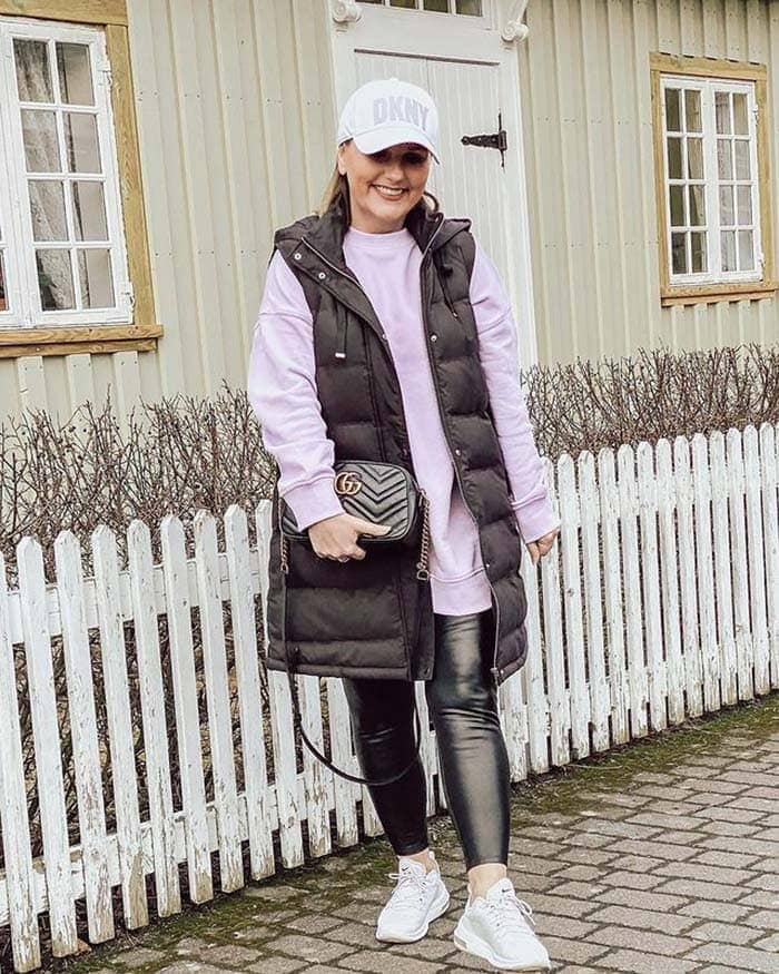 Warm travel clothes for women | 40plusstyle.com