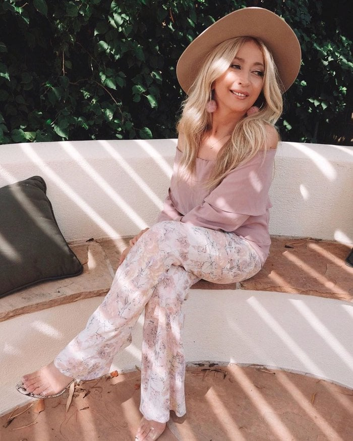 printed pants for the romantic style personality | 40plusstyle.com