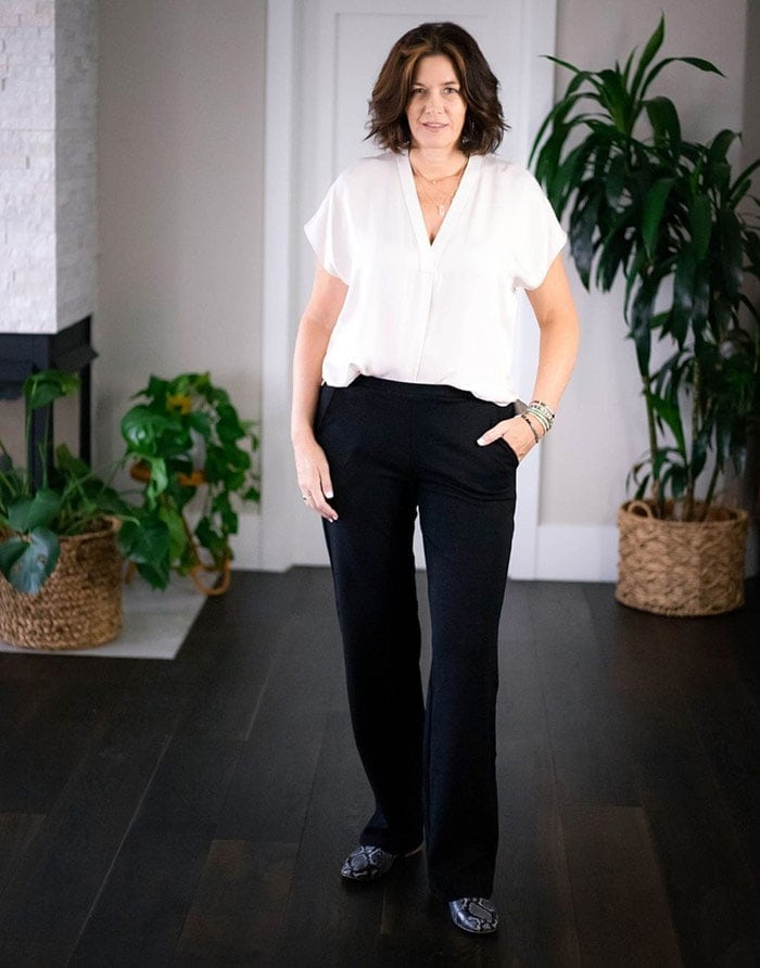 Best clothes for tall women - Dhalia in black pants | 40plusstyle.com