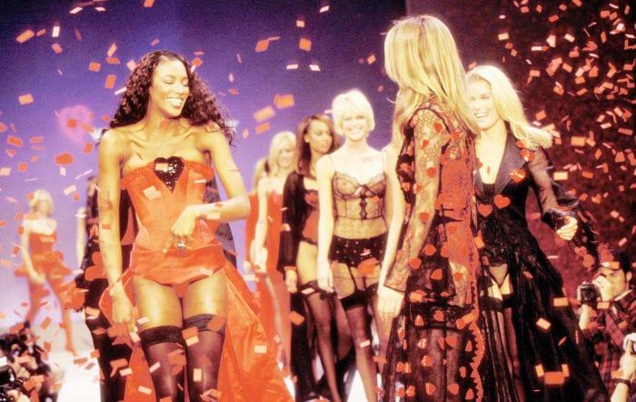 Naomi Campbell Victoria's Secret 1997. Photo: KMazur